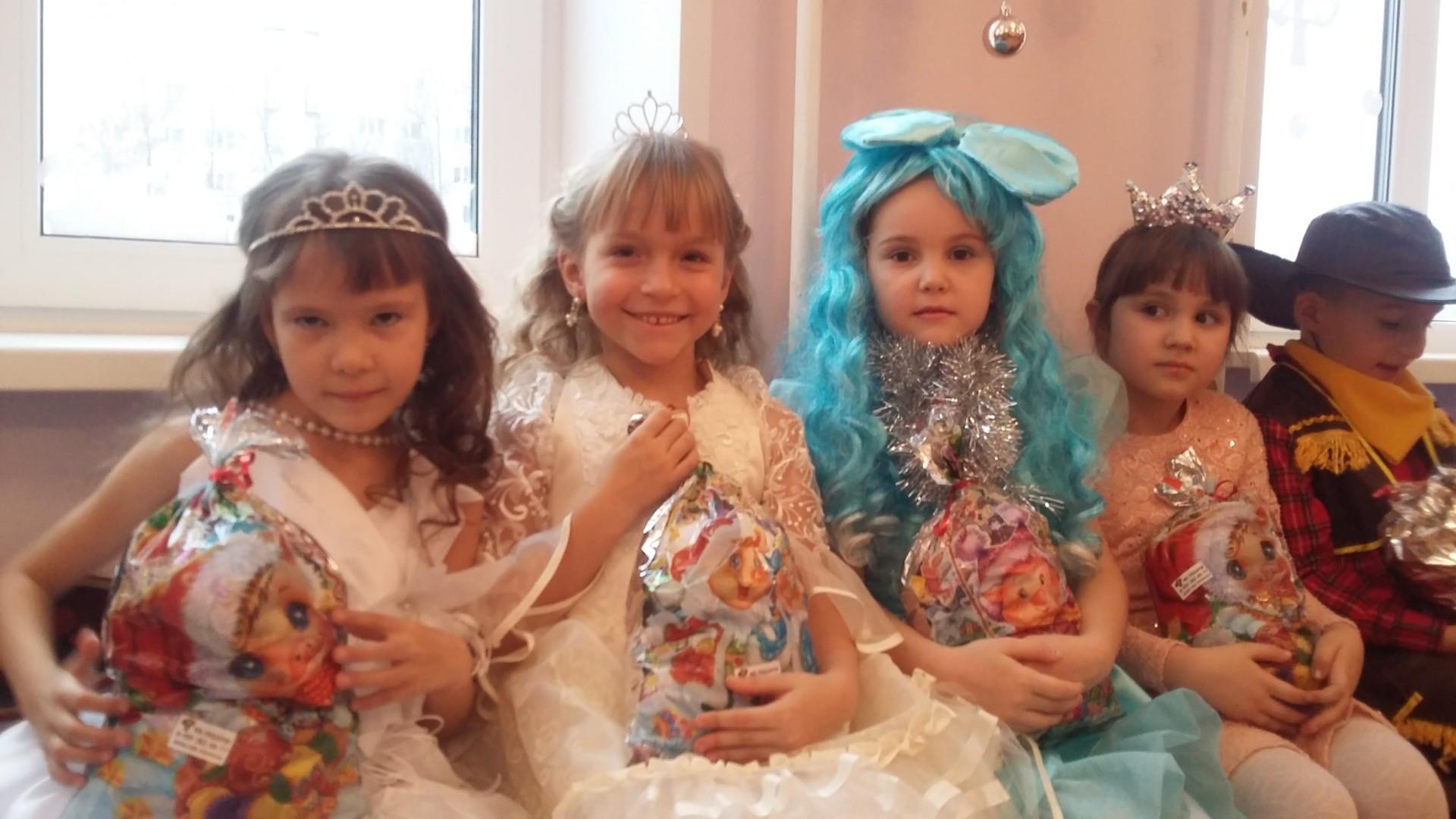 «Новогодние утренники в нашем детском саду».