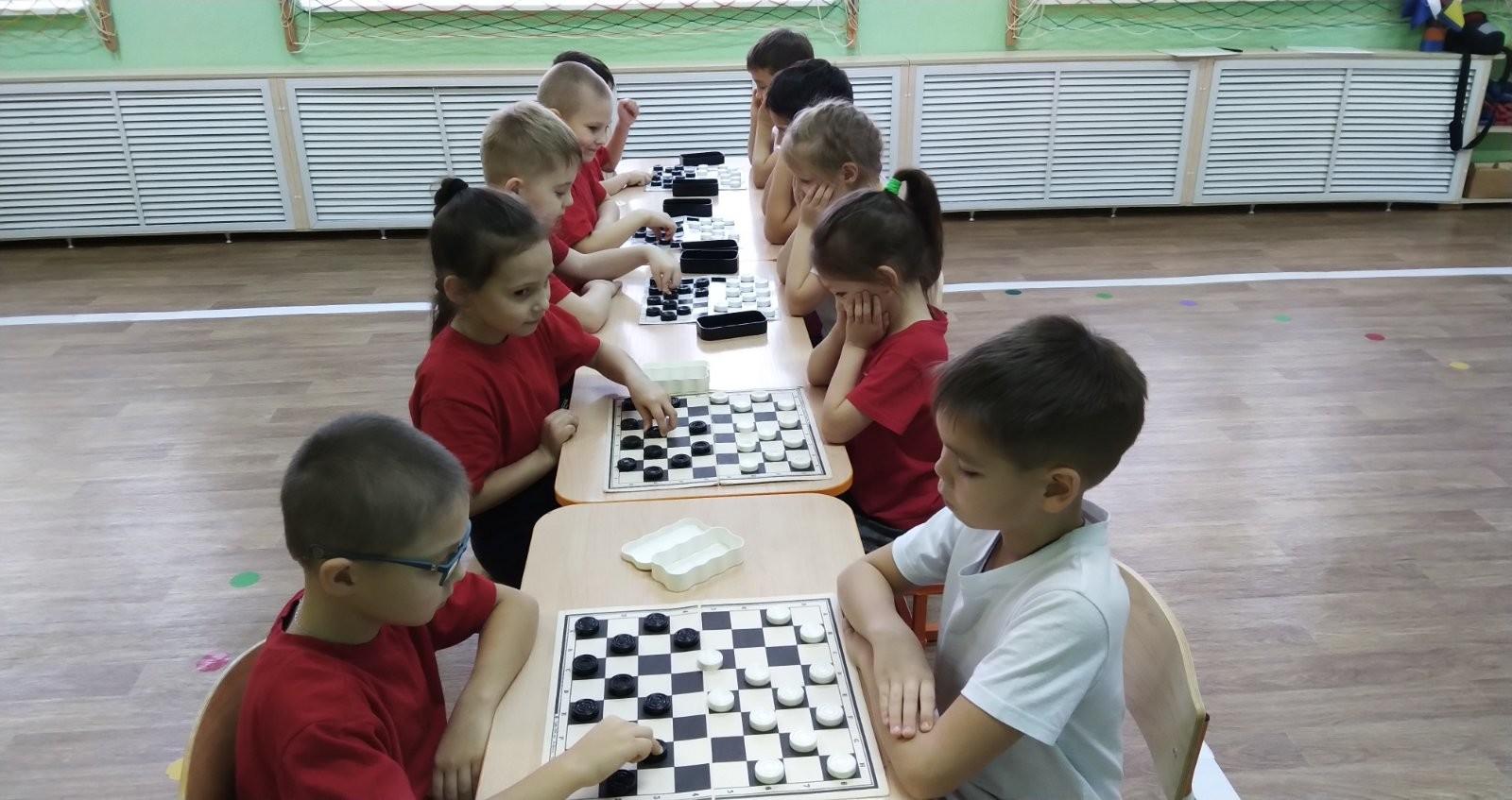Предновогодний шашечный турнир